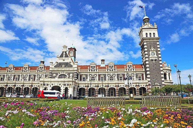 new-zealand-dunedin-top-attractions-dunedin-railway-station